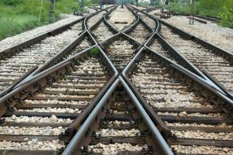 Photo: Converging railroad tracks